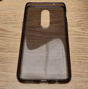 Supplied OnePlus 6 TPU case